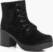Boohoo , Lace Up Chunky Sole Boot - Black