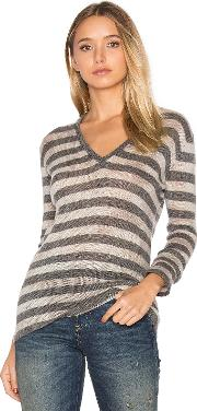 Susanne Karlsson , Pelle V Neck Sweater