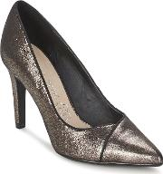 Moony Mood , Gudrun Women's Court Shoes In Gold